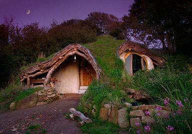 The Hobbit House (a cob house) from TinyHouseBlog.com