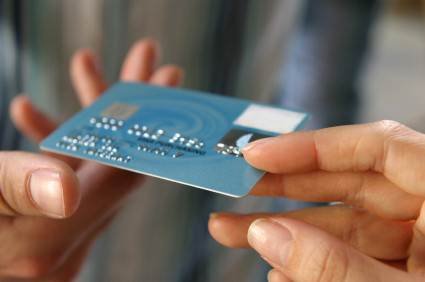 How To Avoid Late Fees and Paying Extra Interest on Credit Cards