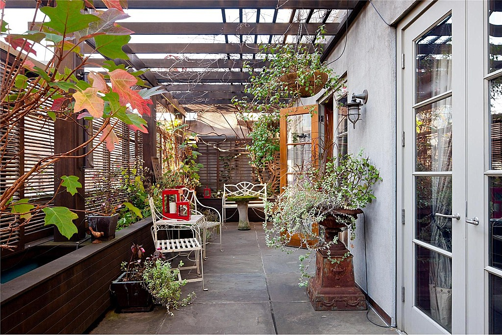7 Garden Designs for Small Outdoor Spaces