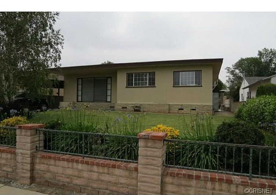 A house not far from me selling for $430,000.