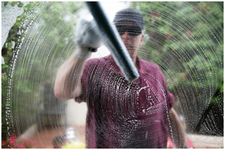Why Hiring a Professional Window Cleaner is Important