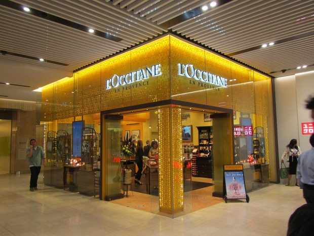 L'Occitane gift wrapping