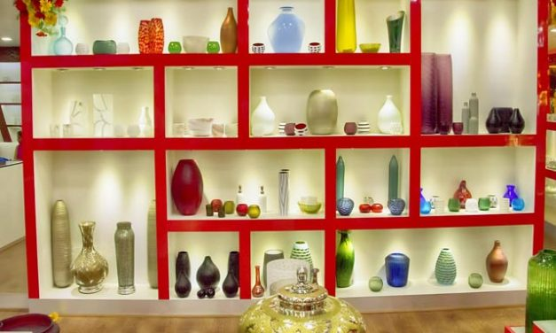 How to Make Shoppers Fall in Love with Your Retail Store Decor?