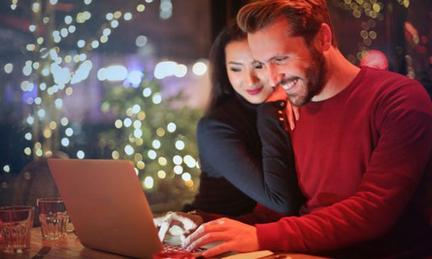 Newly Engaged? 5 Ways Financial Transparency Benefits Your Relationship