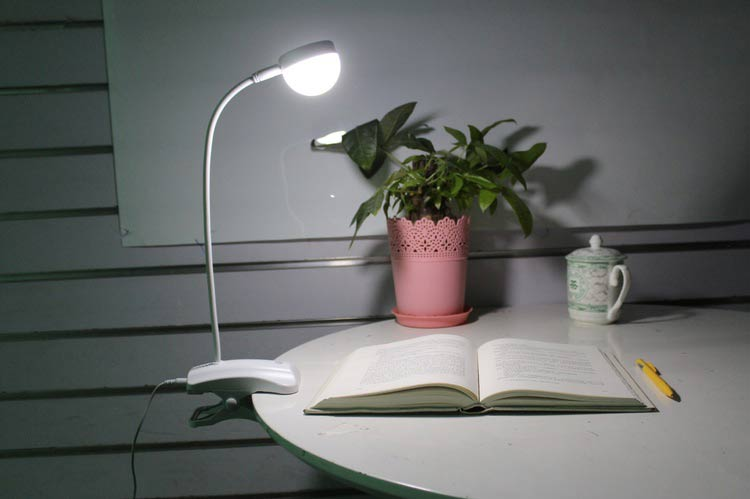 desk lamp for studying