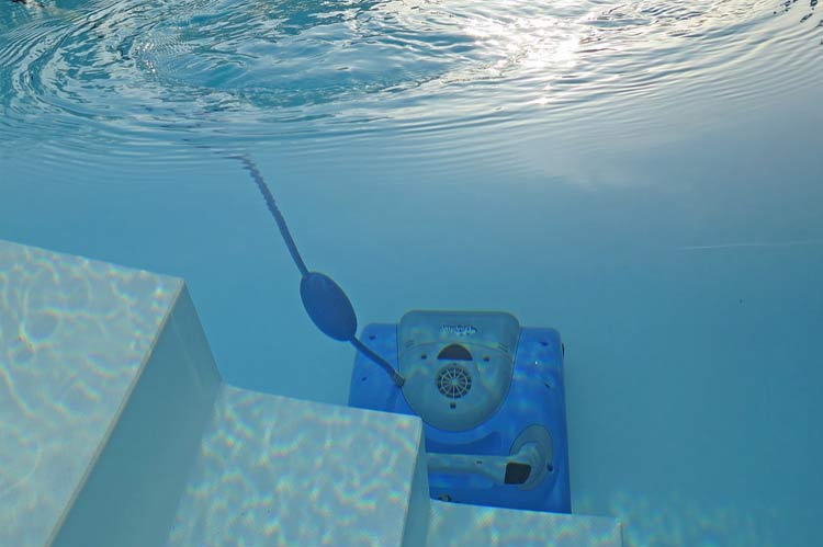 pool vacuum cleaner