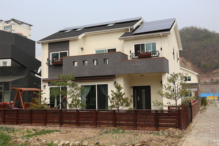 Creating a Solar-Powered Home